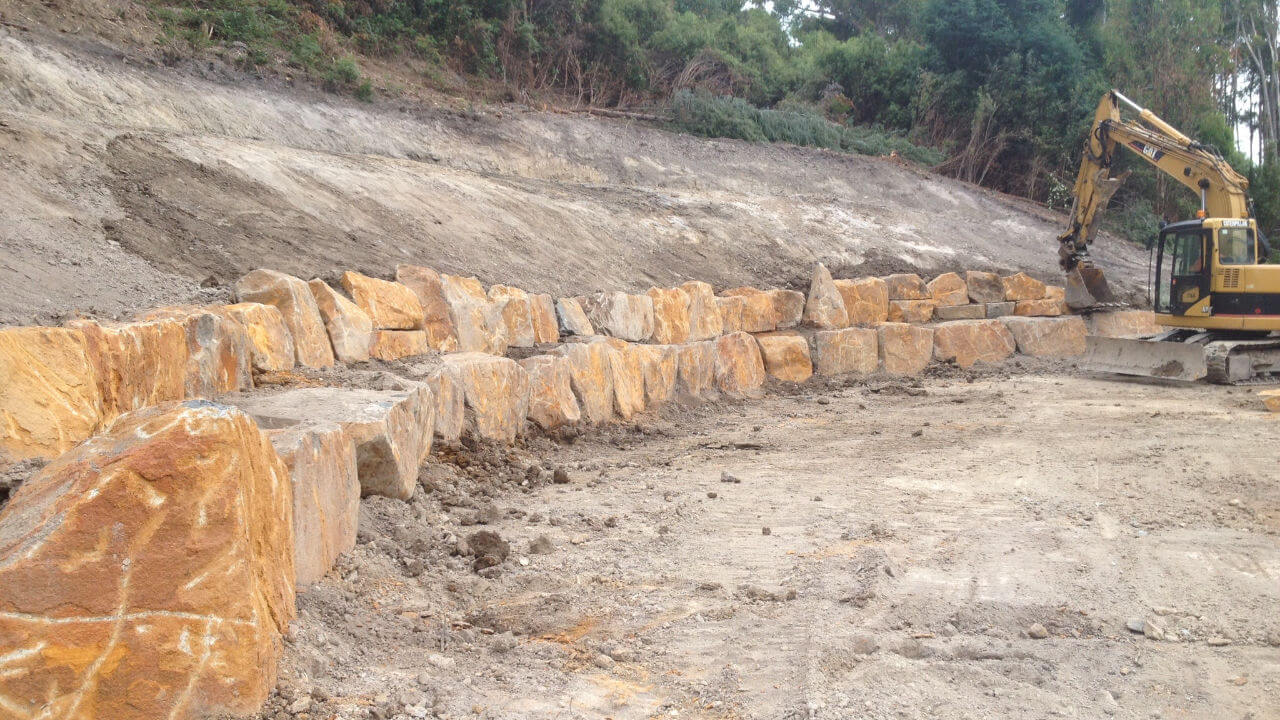 House site Building Retaining Wall